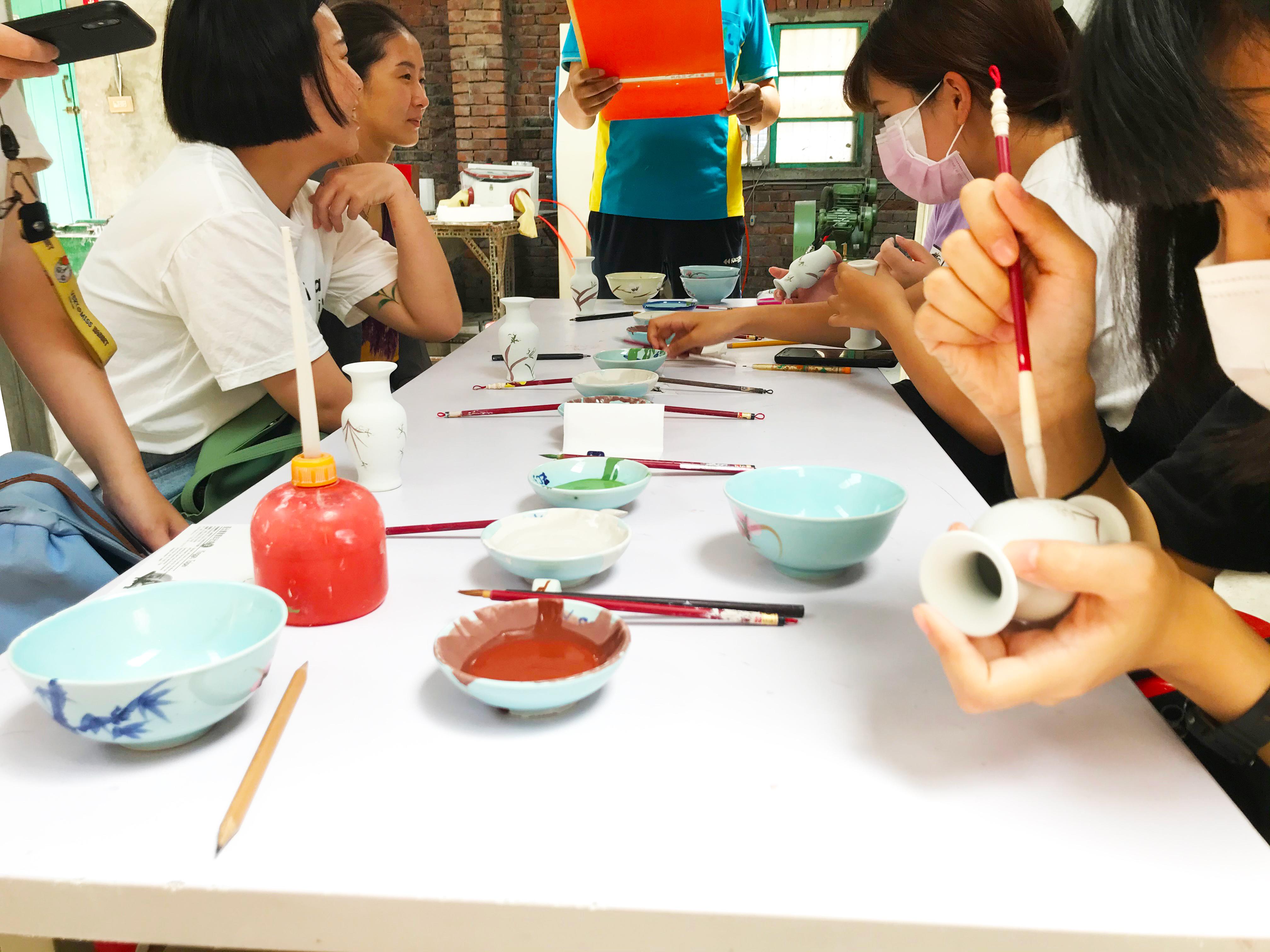 (圖二)《Do 鶯 yourself》為《我流》的其中一項工作坊任務,青年們透過體驗製陶過程,了解三鶯在地文化。