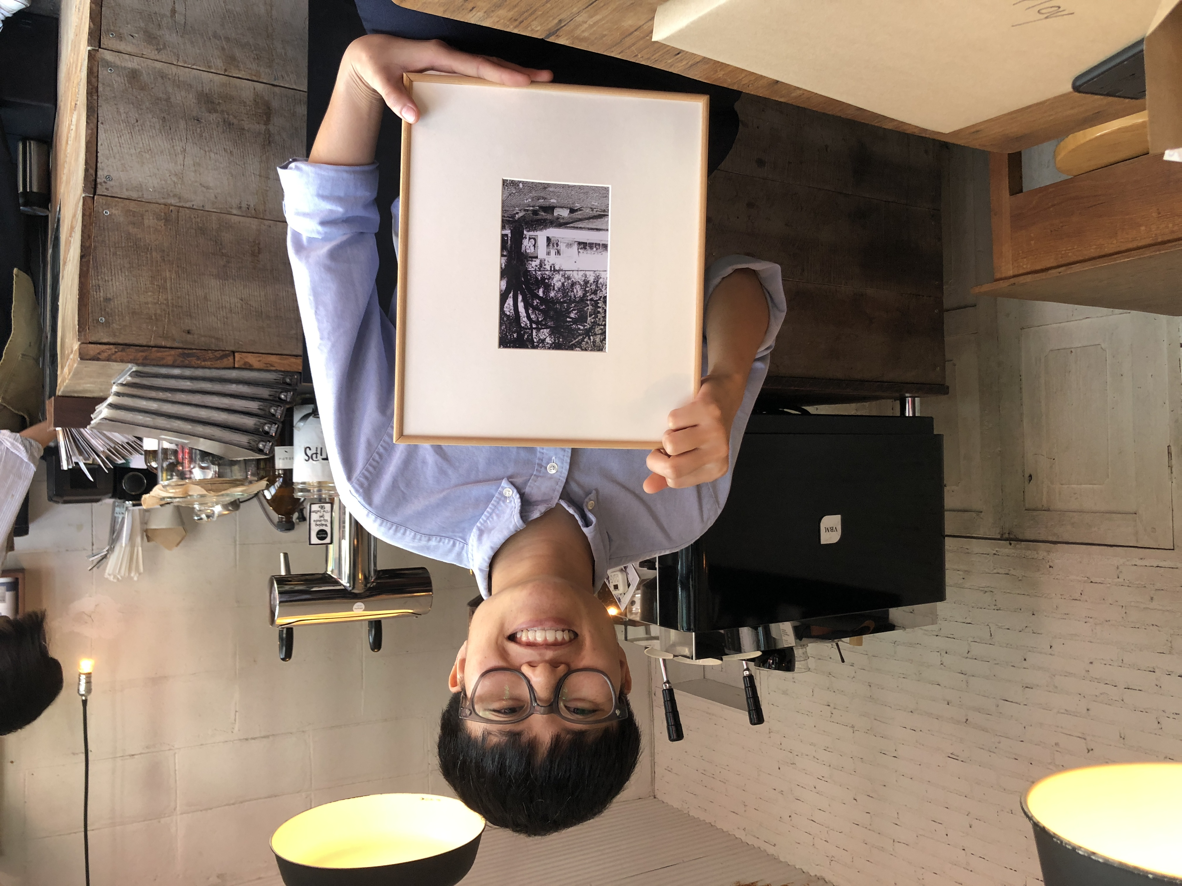 圖二:在4位受訪者中,讓曾律綺印象最深刻的是一名熱愛攝影的咖啡廳店員,她的故事就如同自己的旅程。圖片提供/曾律綺