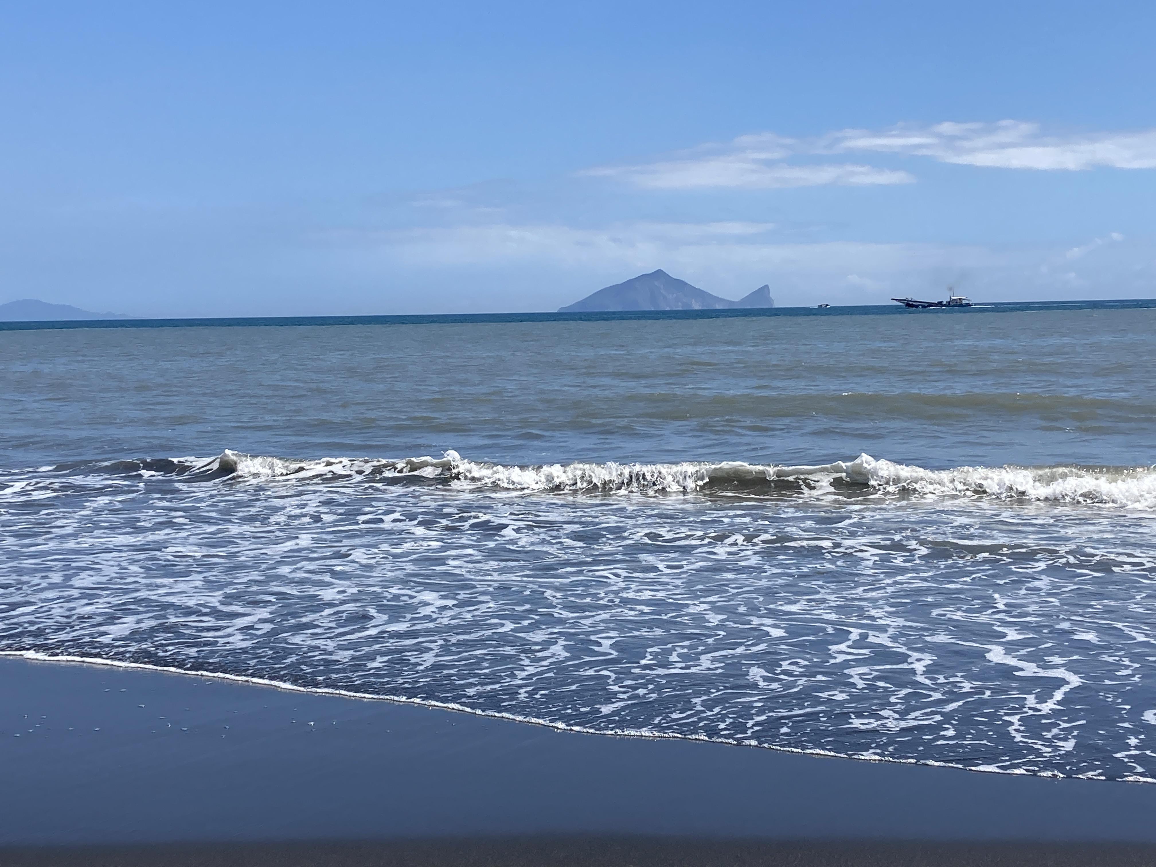 圖四:美麗的壯圍海灘,天氣好的時候龜山島近如咫尺/攝影:宗洧